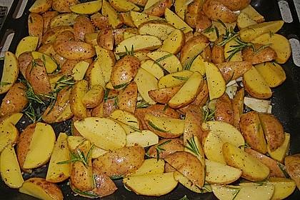 Fettarme Kartoffelspalten aus dem Ofen 3
