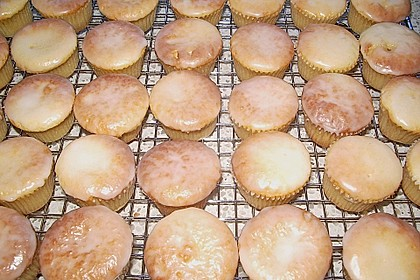 Saftiger Zitronenkuchen 50
