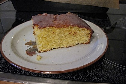 Saftiger Zitronenkuchen 100