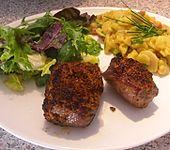 Überbackene Lammsteaks mit Thymian - Tomaten - Kruste