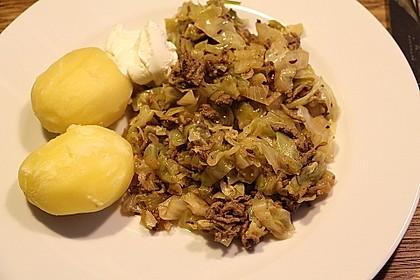 Spitzkohl-Hackfleisch-Pfanne 11