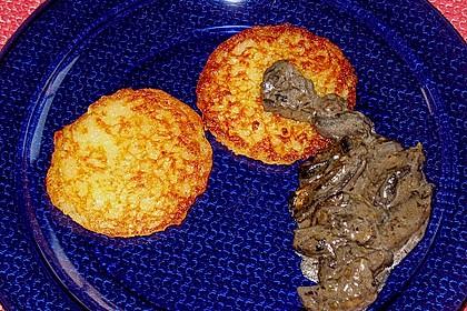 Champignons in Weißweinsauce auf Rösti 17