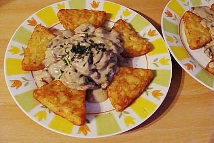 Champignons in Weißweinsauce auf Rösti 13