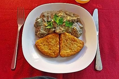 Champignons in Weißweinsauce auf Rösti 2