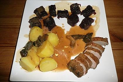 Wildschweinrücken mit kräftiger Sauce 4