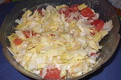 Chicoreesalat mit Grapefruit oder frischer Ananas und Curry - Joghurt - Dressing