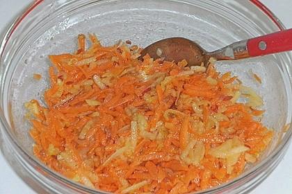 Möhren - Apfel - Salat mit Orangendressing und Walnüsse 16