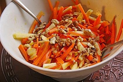 Möhren - Apfel - Salat mit Orangendressing und Walnüsse 6