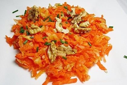 Möhren - Apfel - Salat mit Orangendressing und Walnüsse 2