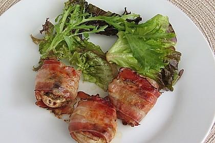 Gefüllte Champignons mit Backpflaumen, Käse und Bacon