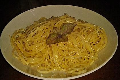 Spaghetti aglio olio 24