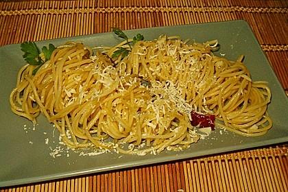 Spaghetti aglio olio 1