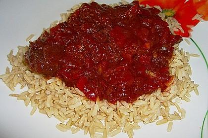 Gulasch vom Rind mit Schalotten und Paprika 22