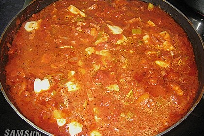 Pikante Tomatensoße mit  Bacon und Mozzarella 1