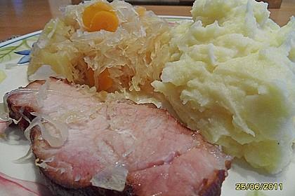 Kasseler mit Sauerkraut aus dem Römertopf 7