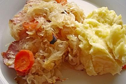 Kasseler mit Sauerkraut aus dem Römertopf 21