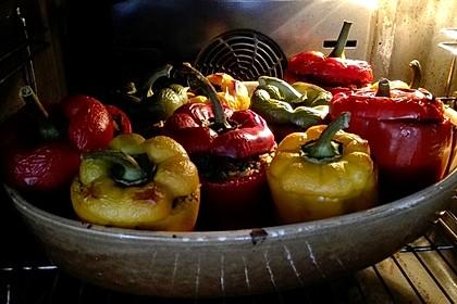 Gefüllte Paprika mit Joghurtsauce 43