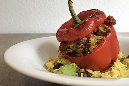 Gefüllte Paprika mit Joghurtsauce 19