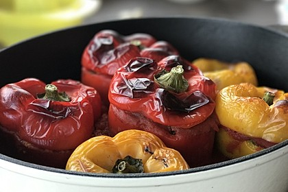 Gefüllte Paprika mit Joghurtsauce 20