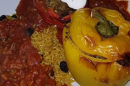 Gefüllte Paprika mit Joghurtsauce 15