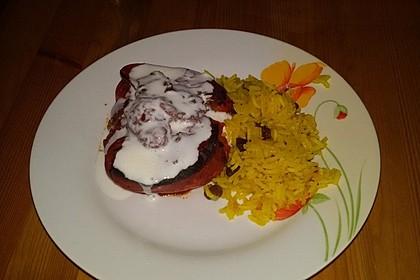Gefüllte Paprika mit Joghurtsauce 51