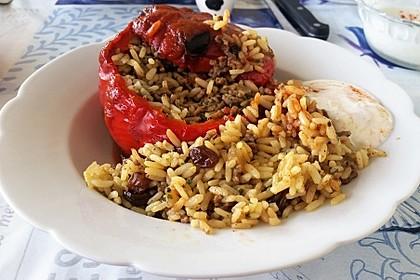 Gefüllte Paprika mit Joghurtsauce 24
