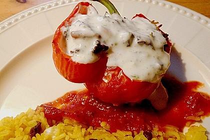 Gefüllte Paprika mit Joghurtsauce 9