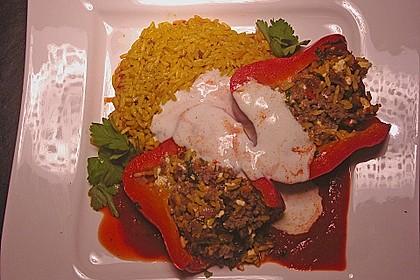 Gefüllte Paprika mit Joghurtsauce 11