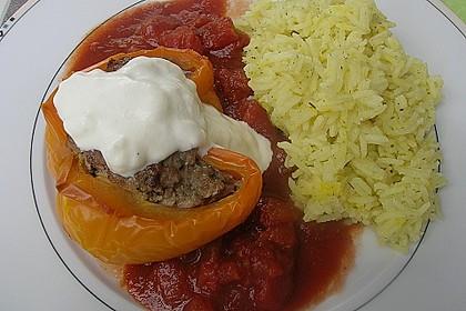 Gefüllte Paprika mit Joghurtsauce 34