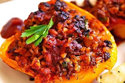 Gefüllte Paprika mit Joghurtsauce 1