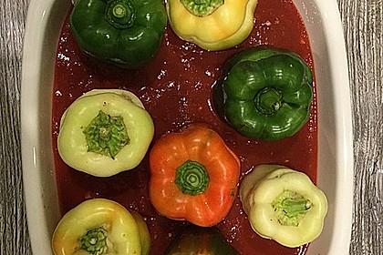 Gefüllte Paprika mit Joghurtsauce 17