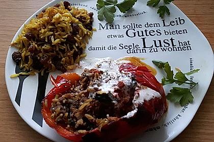 Gefüllte Paprika mit Joghurtsauce 18
