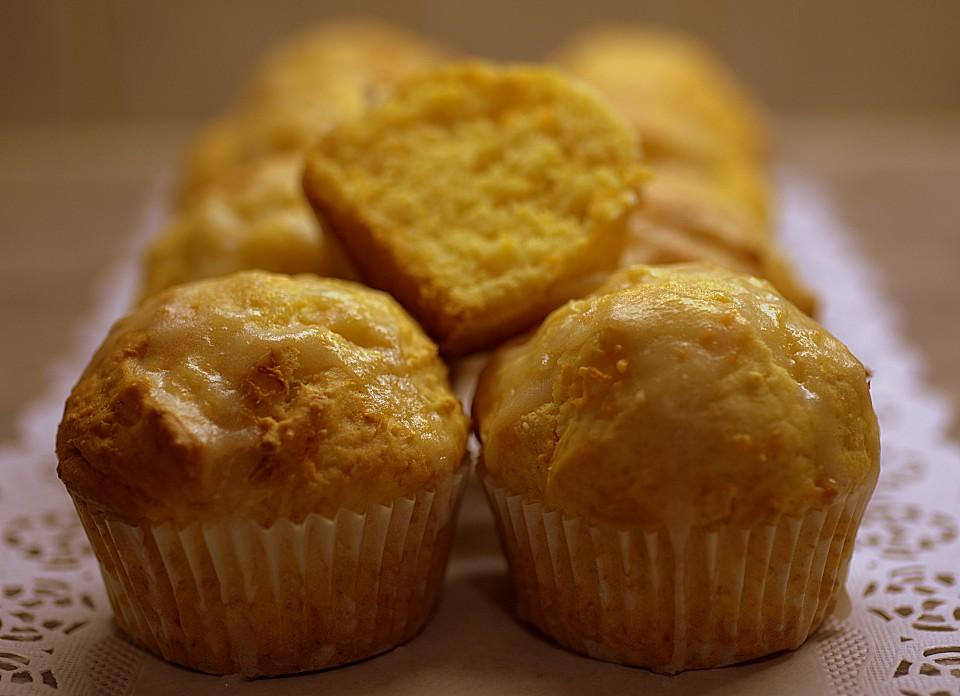zitronen karotten muffins rezept mit bild von jd100312. Black Bedroom Furniture Sets. Home Design Ideas