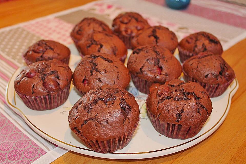 schoko kirsch muffins rezept mit bild von anuschi. Black Bedroom Furniture Sets. Home Design Ideas