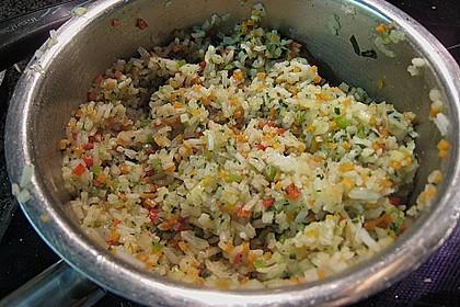 Skreitranche auf der Haut gebraten mit Schmortomaten  auf Ingwer - Gemüse - Reis 4