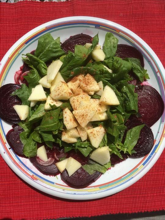 rote bete salat mit spinat und schafsk se rezept mit bild. Black Bedroom Furniture Sets. Home Design Ideas
