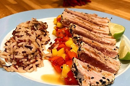 Thunfischfilet in Zimt-Sesam-Kruste auf Chili-Mango-Salat 10