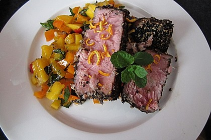 Thunfischfilet in Zimt - Sesam - Kruste auf Chili - Mango - Salat 13