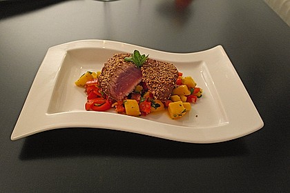 Thunfischfilet in Zimt - Sesam - Kruste auf Chili - Mango - Salat 2