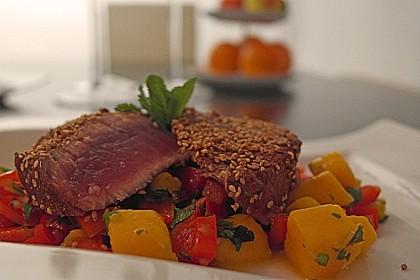 Thunfischfilet in Zimt - Sesam - Kruste auf Chili - Mango - Salat 7