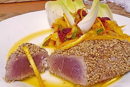Thunfischfilet in Zimt-Sesam-Kruste auf Chili-Mango-Salat 12