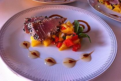 Thunfischfilet in Zimt - Sesam - Kruste auf Chili - Mango - Salat 4