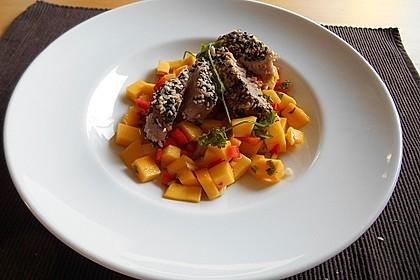 Thunfischfilet in Zimt-Sesam-Kruste auf Chili-Mango-Salat 17