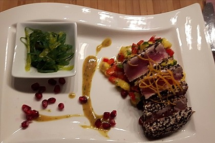 Thunfischfilet in Zimt - Sesam - Kruste auf Chili - Mango - Salat 12