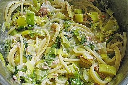 Nudeln mit Porree - Thunfisch - Soße 2
