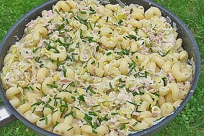 Nudeln mit Porree - Thunfisch - Soße 5