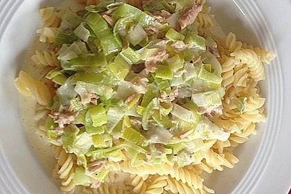Nudeln mit Porree - Thunfisch - Soße 12