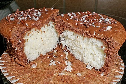 Schoko - Muffins mit Kokos - Herz 11