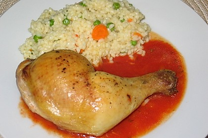 Hähnchenkeulen  mit Tomatensauce und Gemüse - Kräuterreis (Bild)