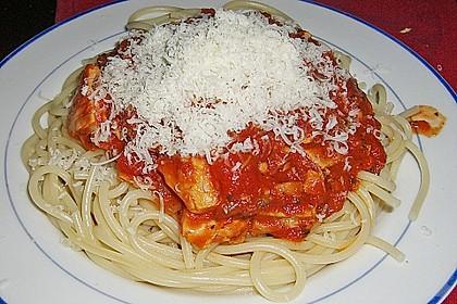 Pasta mit scharfer Tomatensoße 1